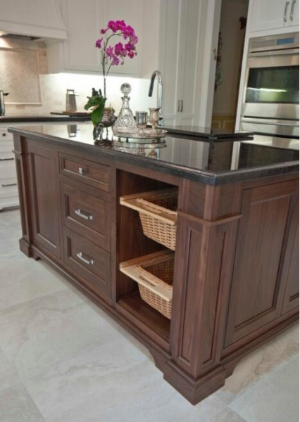 Kitchen Island 38