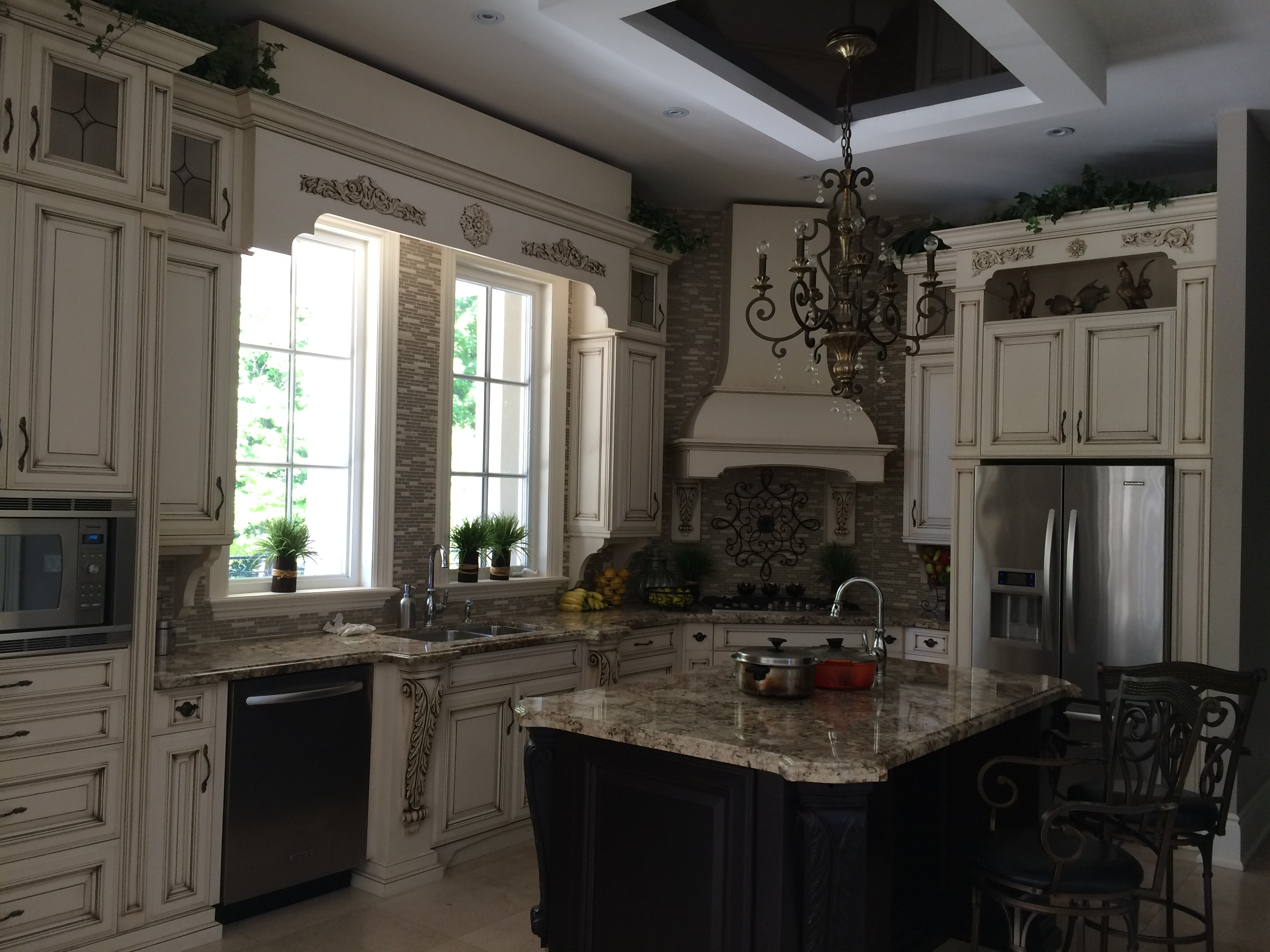 Kitchen cabinet picture 1