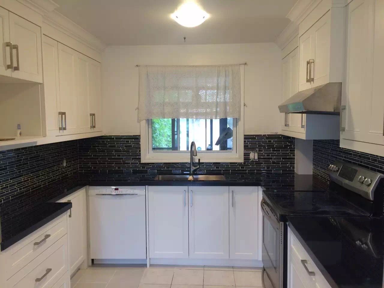 Kitchen cabinet picture 2